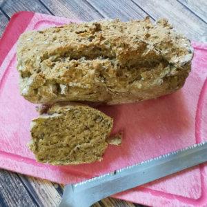 selbstgebackenes veganes Brot ohne Hefe