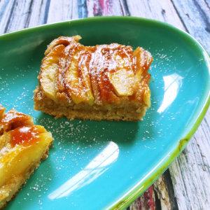 zwei Stück veganer Apfelkuchen mit Buchweizenmehl / Hadnmehl